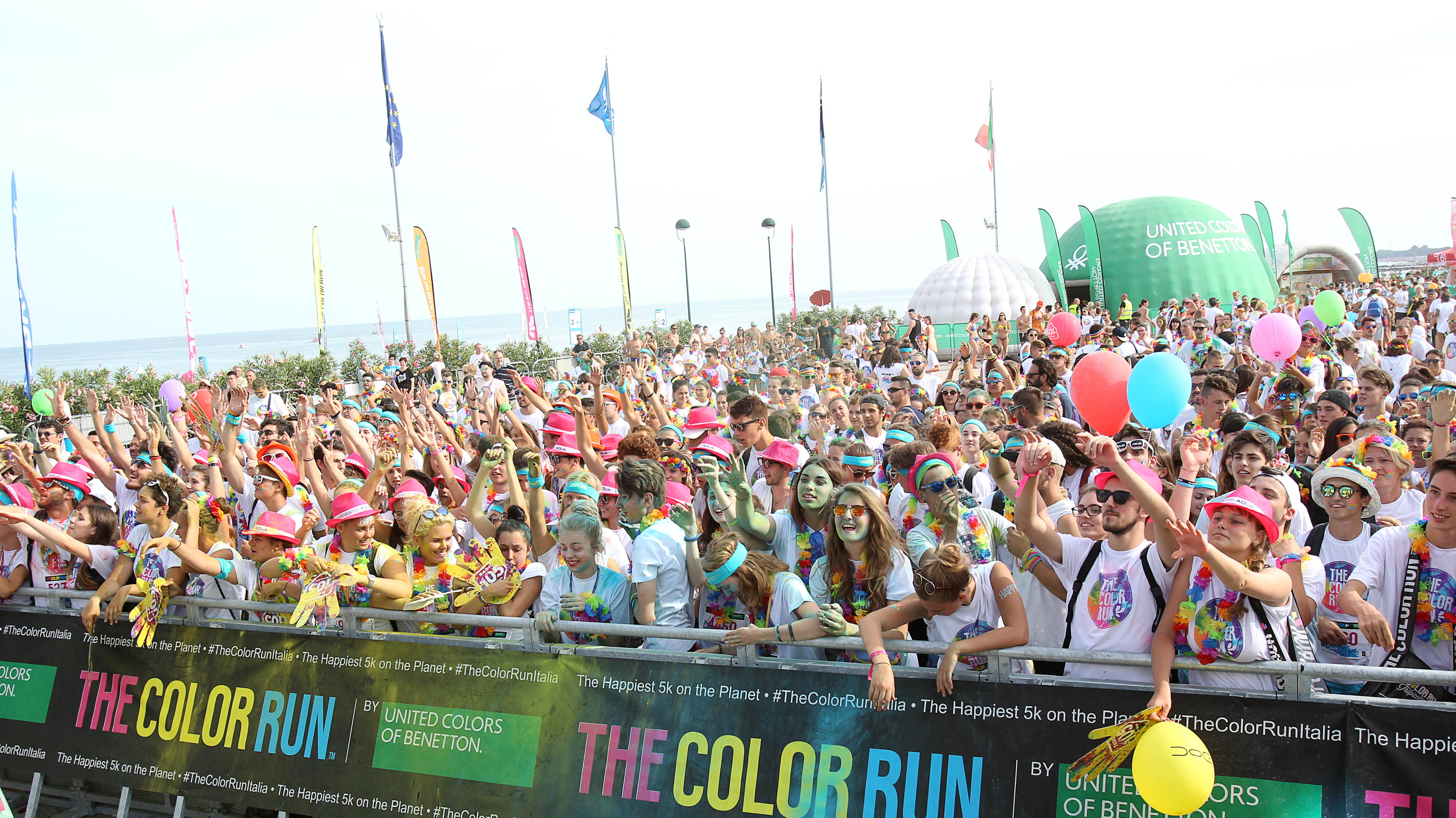 Venerdì 28 luglio The Color Run Village arriva al Tenda Bar di Lignano Pineta