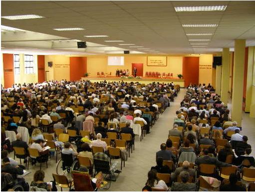 """ASSEMBLEA DI CIRCOSCRIZIONE DEI TESTIMONI DI GEOVA A CAIRO MNTENOTTE (SV) DAL TEMA: """"CONTINUIAMO AD AMARE GEOVA"""" ( Matt. 22:37)"""