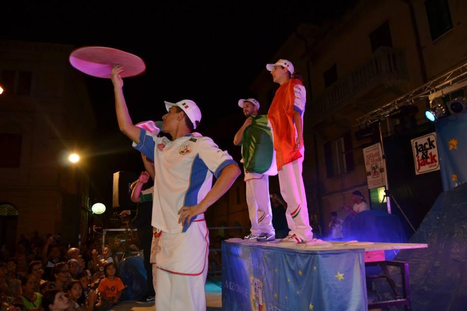 San Lorenzo in Campo capitale della pizza. Nazionale Acrobati Pizzaioli e presentazione della focaccia laurentina a Pizza in Piazza