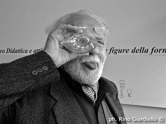 UNA FOTO DI RINO GIARDIELLO PER RICORDARE IL CELEBRE DESIGNER FILIPPO ALISON