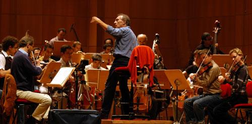 Claudio Abbado dirige l'Orchestra Mozart a Ravenna Festival XXII. Pala De Andrè, martedì 7 giugno 2011