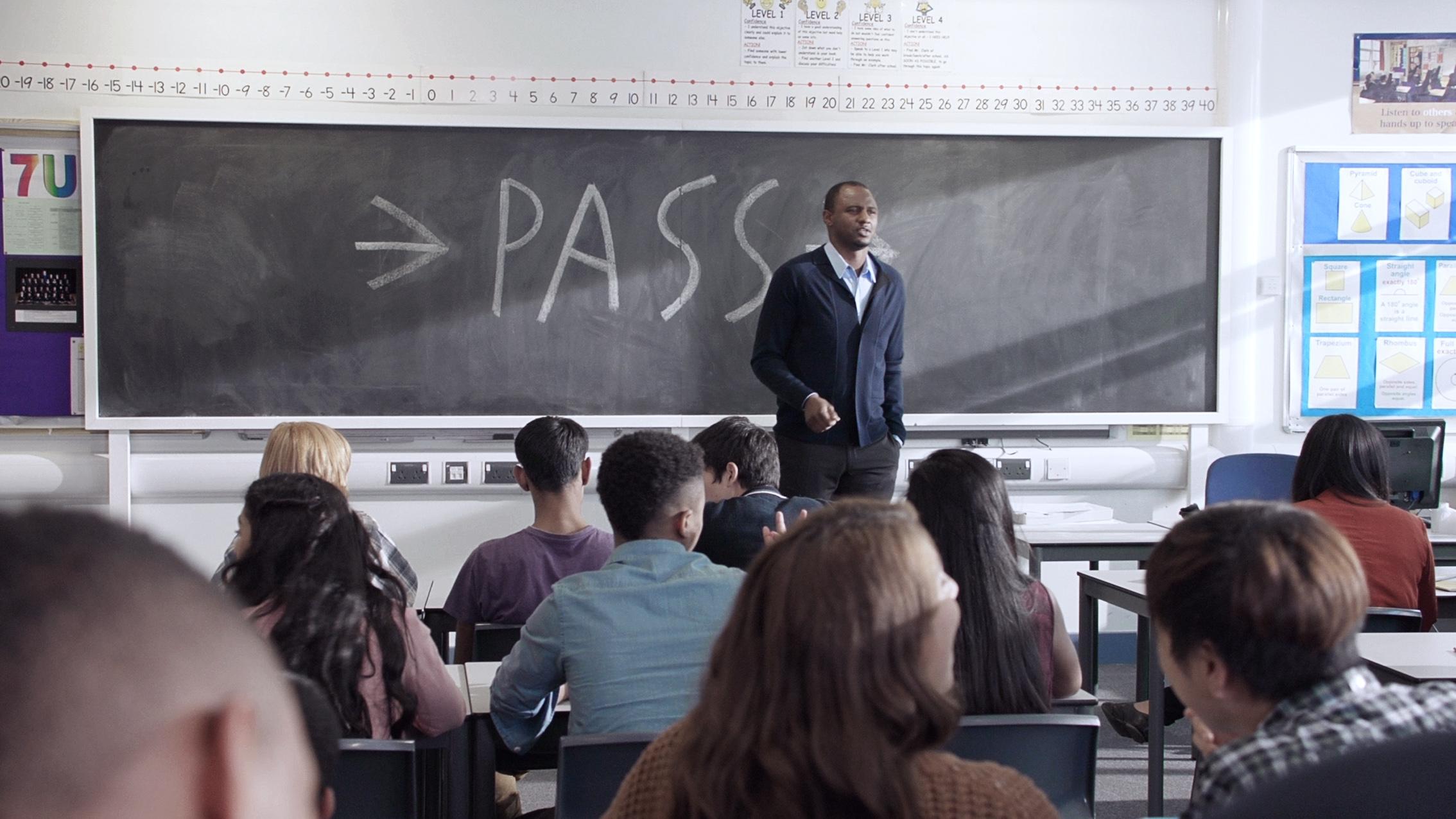 Western Union e Patrick Vieira: un passaggio per l'istruzione globale