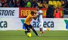 Ronaldinho, la simulazione è comica: larbitro lo ammonisce - La Repubblica