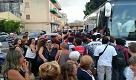 Treni fermi per lncendio a Brancaccio, assalto al pullman a Bagheria - La Repubblica