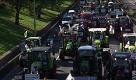 Francia: la protesta dei trattori paralizza Parigi - La Repubblica