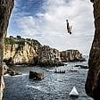 Red Bull Cliff Diving, tuffi dalle grandi altezze in Giappone: Gary Hunt vince le World Series